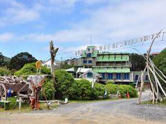 Tapu Te Ranga Marae by <b>Eva Kaprinay</b> ( a Panoramio image )