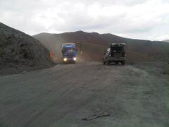 Trucks at Shahristan pass - Грузовики на Шахристанском перевале by <b>KPbICMAH</b> ( a Panoramio image )