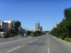 qianjindajie by <b>linlinyu</b> ( a Panoramio image )