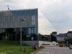 "Museum ""Lentos"", Linz by <b>gschwandtnerbua</b> ( a Panoramio image )"