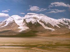 Muztagh Ata by <b>Dirk Jenrich</b> ( a Panoramio image )