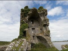 Castle ruin by the sea by <b>frumperino</b> ( a Panoramio image )