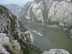Ciucarul Mare - Cazanele Dunarii by <b>povidiu</b> ( a Panoramio image )