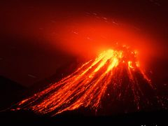 Soufriere Hills Volcano at night by <b>www.kimagic.ca</b> ( a Panoramio image )