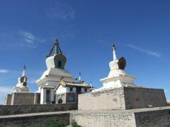 Golden Stupa at Erdene Zuu by <b>Chouden Boy</b> ( a Panoramio image )