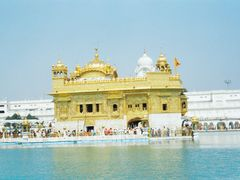 The Golden Temple at Amritsar,Punjab,India by <b>unnippillai</b> ( a Panoramio image )