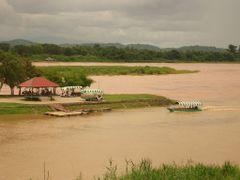 Mekhong at Ban Sop Ruak, Golden Triangle, Burma Casino pick up b by <b>Uwe Werner</b> ( a Panoramio image )