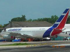 Cubana de Aviacion  by <b>Frank987ss</b> ( a Panoramio image )