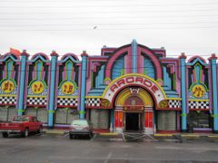 colorful Arcade.....Pigeon Forge, Tennessee..in  USA by <b>Sarah O</b> ( a Panoramio image )