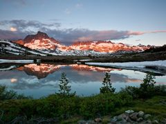 Thousand Island Lake Sunrise by <b>JeffSullivanPhotography</b> ( a Panoramio image )