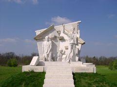 SOPRONKOHIDA - Melocco Miklos: Paneuropai piknik emlekmu by <b>Mojzer  Laszlo</b> ( a Panoramio image )