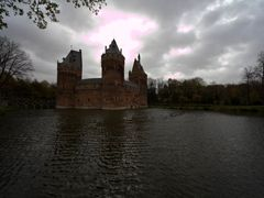 Beersel castle by <b>longdistancer</b> ( a Panoramio image )