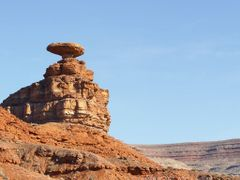 Mexican Hat by <b>Alan Goulet</b> ( a Panoramio image )
