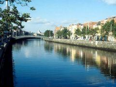 Dublin, river Liffey by <b>Peter Kesselyak</b> ( a Panoramio image )
