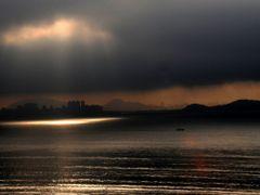 Uma fresta de luz by <b>Criss Cristina</b> ( a Panoramio image )