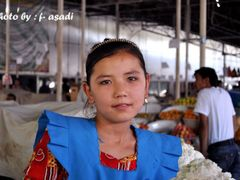 Seller girl from Tajikistan by <b>Farzan Asadi</b> ( a Panoramio image )
