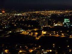 Panoramica Leon Guanajuato Noche (Ampliar-please enlarge) by <b>? ? galloelprimo ? ?</b> ( a Panoramio image )
