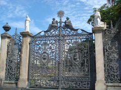 Frei Antonio Hospital Gates by <b>RNLatvian</b> ( a Panoramio image )