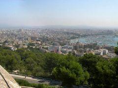 Palma desde el castillo de Bellver by <b>CarlosAC</b> ( a Panoramio image )