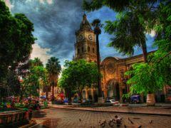 PLAZA 14 DE SEPTIEMBRE COCHABAMBA BOLIVIA by <b>Oscar Gonzales V.</b> ( a Panoramio image )