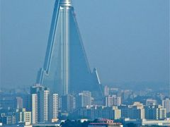 330m Tall Ryugyong Hotel by <b>Chouden Boy</b> ( a Panoramio image )