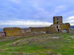 Cetatea Enisala - curtea interioara by <b>IceBox</b> ( a Panoramio image )