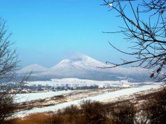 Straz a Lysa Straz v zimnej atmosfere by <b>Majo 65</b> ( a Panoramio image )