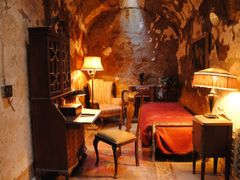 Al Capone?s cell inside of Eastern State Penitentiary - Philadel by <b>diego_cue</b> ( a Panoramio image )