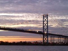 View onto the Ambassador Bridge from Windsor, ON by <b>Irene Kravchuk</b> ( a Panoramio image )