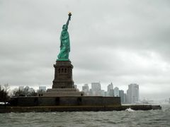 Statue of Liberty by <b>school_1106</b> ( a Panoramio image )