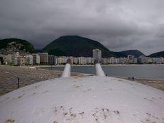 TARGET: Copacabana by <b>RNLatvian</b> ( a Panoramio image )