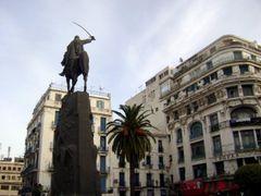 Placette Emir Abdelkader by <b>haninouya</b> ( a Panoramio image )