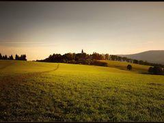 Der heilige Hugel beim Dunkelwerden by <b>harrdy41</b> ( a Panoramio image )