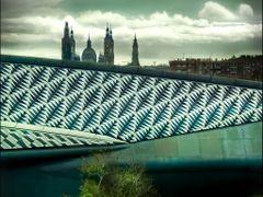 Zaha goza.                                   Pabellon Puente par by <b>Guia NO Views thanks</b> ( a Panoramio image )
