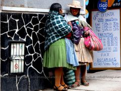 Bolivia - La gente buena y amable de Bolivia - Un momento de la  by <b>valerio giulianelli</b> ( a Panoramio image )