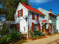 The Houses of Chesapeake City:  Karsner Cottage, 1834 by <b>Scott Gore</b> ( a Panoramio image )