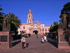 Convento Santa Cruz Queretaro Qro. By Mel Figueroa by <b>Mel Figueroa</b> ( a Panoramio image )