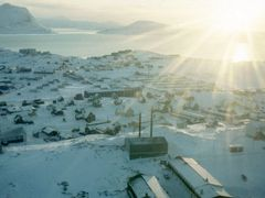 Nuuk med sol by <b>xpal</b> ( a Panoramio image )