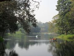 LAKE, INDIAN BOTANIC GARDEN by <b>B.Pramanik</b> ( a Panoramio image )