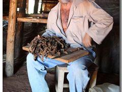 Vinales – campesino smoking a selfmade Cuban cigar by <b>©polytropos</b> ( a Panoramio image )