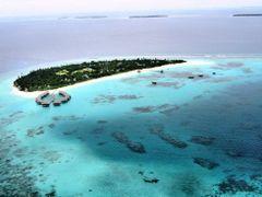 Sunny island by <b>bonavista</b> ( a Panoramio image )
