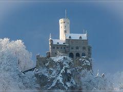 Schloss Lichtenstein by <b><-Phil-></b> ( a Panoramio image )