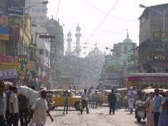 Kolkata Crowd / Nakhoda Masjid by <b>K?N?Y?</b> ( a Panoramio image )