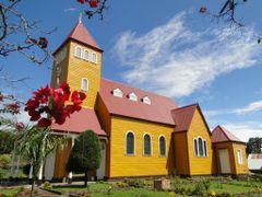 Iglesia de Aquiares de Santa Rosa, Turrialba  / Church of Aquiar by <b>Noe Alfaro Chaves</b> ( a Panoramio image )