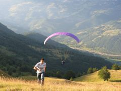 Paragliding in Mojkovac by <b>Ivan Martinetti</b> ( a Panoramio image )