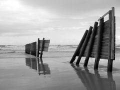Winter day on Sea shore,foggoten  fences by <b>Michael  D</b> ( a Panoramio image )