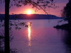 Lake Greeson Sunset by <b>Geezer Vz</b> ( a Panoramio image )