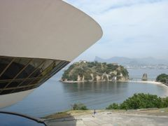 Guanabara Bay and Niemeyer Museum by <b>RNLatvian</b> ( a Panoramio image )