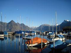 Lake of Lucerne by <b>nyuszimama</b> ( a Panoramio image )