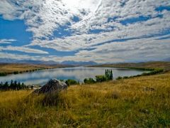 Lake McGregor, New Zealand by <b>Kiwiscot</b> ( a Panoramio image )